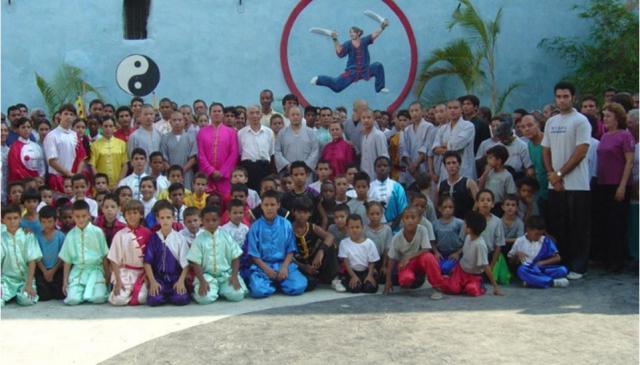 La Escuela Cubana de Wushu con los monjes del Templo Shaolin, 2006